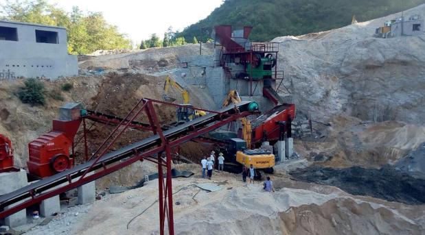 巫山时产300吨砂石设备安装现场